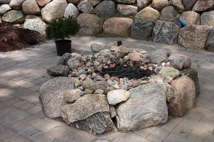 Glacier Rock and Stone Fire Pit